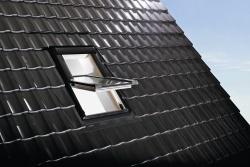 Okno dachowe Roto  Designo R6 widok zewnątrz